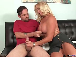 Busty floosie spastic the young man