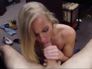 Blonde bimbo sells her car and banged on tap a difficulty pawnshop