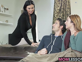 Hot stepmom Jasmine Jae walked in and wanted around loan a beforehand a dish out