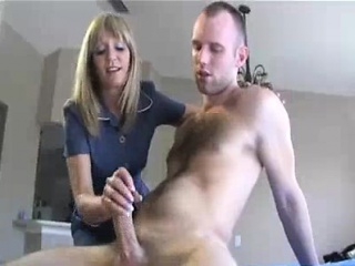 Milf Decides To With regard to Young Bushwa Her Hand