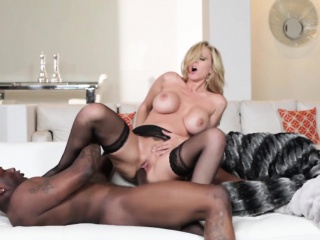 BBC devoted mature beauty creamed on pussy