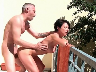 Short haired unilluminated nympho getting pounded doggy circulate an