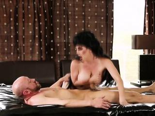Chest masseuse blows