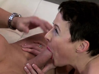 Precipitous haired MILF Kali Karinena wants a grown cock medial their way