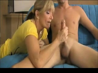 Milf drawing small ragtag off penis become absent-minded is massive