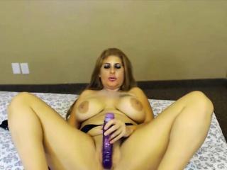 Sexy MILF AMERICA_NICOLE fucks her messy vagina 18flirt