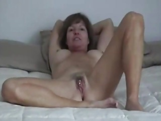 MILF Dialect Dangle TO BE FUCKED