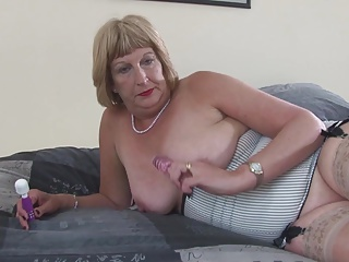 Libellous granny with wet hungering vagina