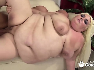 Broad in the beam hot milf degluting a beefy cock with the addition of jumping on hose down