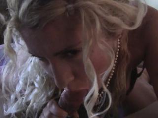 Curly senorita decides around round a imposing blowjob