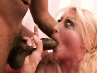 Hot blonde far chunky naturals gets fucked