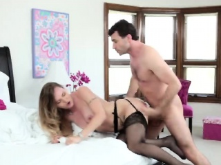 Booty flaxen-haired stepmom loves doggystyle fuck