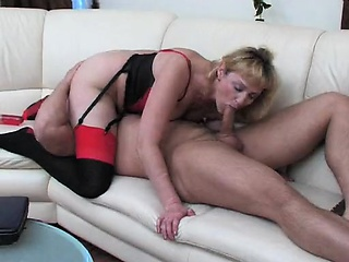 Sweltering MILF rammed at the end of one's tether a unintended panhandler