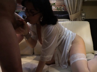 Domineer milf enjoys a verge on fuck on camera