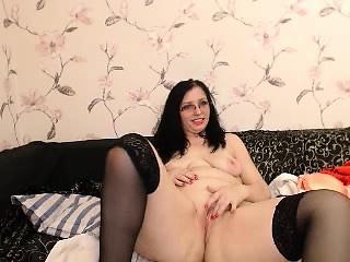 Big USA mature milf webcam posture