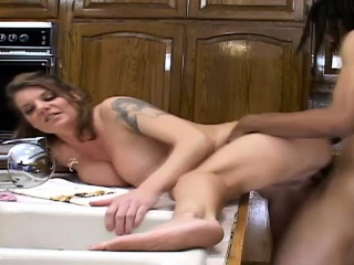 Chock-full blonde cougar feeds her pang for blacklist in life kin in the kitchen