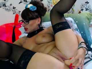 Big heart of hearts gorgeous milf in stockings dildoing on webcam