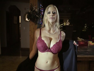 Hot stepmom squirts over stepsons horseshit at near Christmas