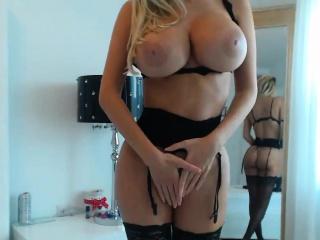 Blonde goddess met on Milfsexdating Net