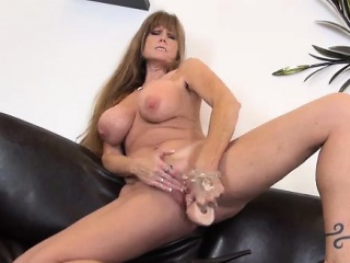 Be in charge Pornstar MILF Darla Crane Solo Masturbating
