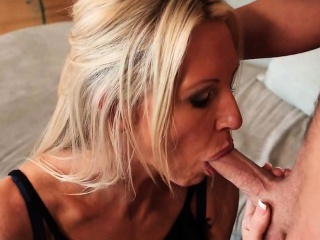 Having it away My Friend's Female parent Emma Starr