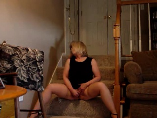 Blonde milf having orgasms on webcam!