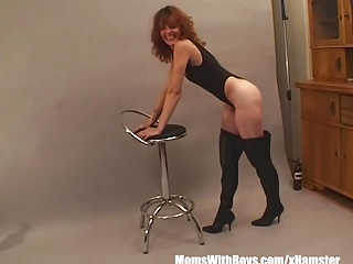 Sexy Photoshoot With MILF Brunette Uneaten Yon Fucked