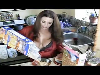 Juicy Mommy 9