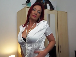 Mature mother squirts like dirty gripe