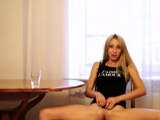 Mature masturbating in the cookhouse webcam show