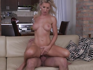Hot milf and the brush younger lover 622