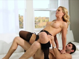 Busty MILF masseuse gives massage and fucked will not hear of purchaser