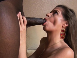 Big boob MILF benefits for with interracial pastime