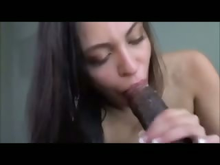 hot chick sucking bbc