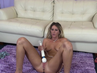 Staggering Alysha Rylee sends a vibrator working its great on their way peach