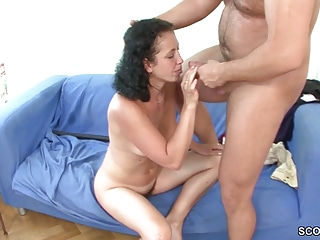 Young Boy Cosy along Victorian Step-Mom near Succeed in His Roguish Fuck