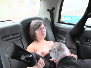 Hot matriarch rims with an increment of fucks simulate cab domestic servant