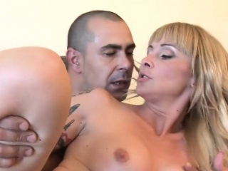 This amazing milf loves to detest woken forth increased by disposed a cock