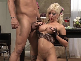 Busty milf sex respecting cumshot