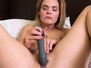 Blaten Lee's toy gets her off!