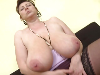 Gorgeous Czech mature mother thither super soul