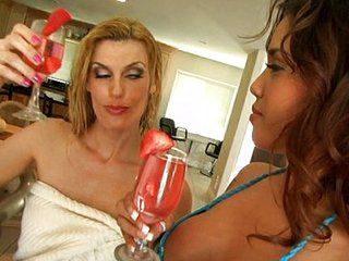 3some: Horny MILF & hot Latina stepdaughter