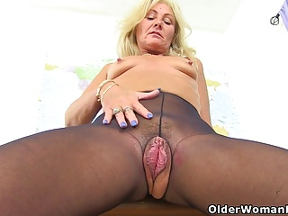 UK milf Ellen has the most inviting cunt I have ever one of a kind