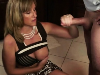 Sexy milf sucking and getting fucked