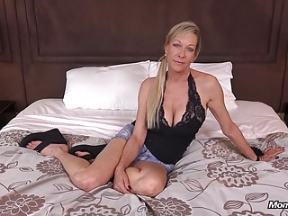 Big Boobs Crude Cougar Loves Object Fucked