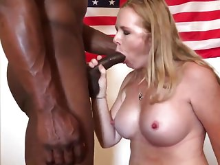 Hot Slut Milf Gets Fucked Unconnected with BBC - Cum iniside