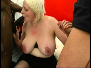 Blonde Milf Carola fucked in a triple
