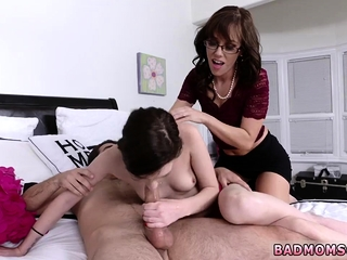 Milf sexual congress Outcast Mother chum's daughter Photoshoot