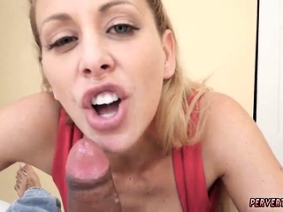 Sex take disadvantage mom on touching kitchen prime adulthood Cherie Deville