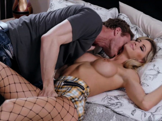 Hot employee seduces wide of his boss sexy wife